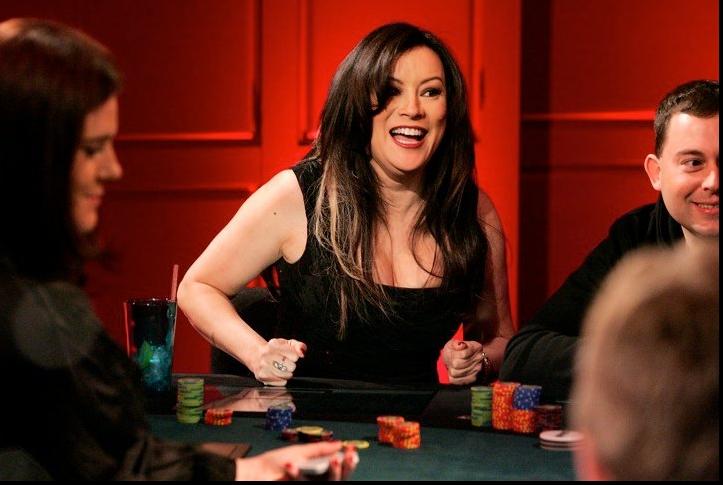 Топ-10 самых сексуальных девушек покера
