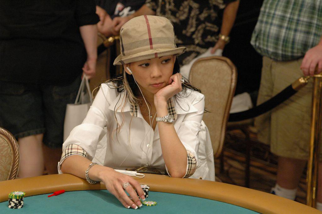 Сексуальные богини покера